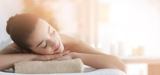 woman relaxing on beauty table