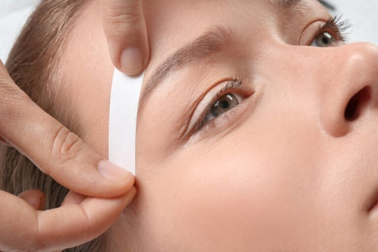 Eyebrow Threading vs Waxing: What's the Difference?