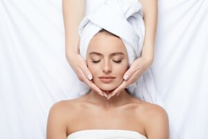 What is Dermaplaning? Procedure, Benefits, and Side Effects
